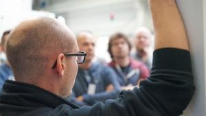 Agile Organisationsentwicklung: Mit Interesse dabei - die Gäste sind beeindruckt von der Offenheit und dem Engagement der Mitarbeiter